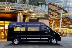 cho-thue-xe-v-i-p-limo-luxury-2