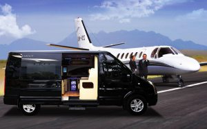 thue-xe-ford-transit-limousine-1