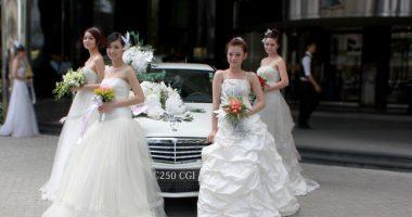 cho thuê xe cưới màu trắng