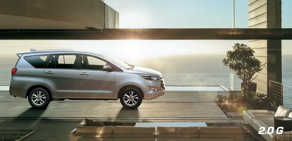 thuê xe theo tháng Toyota Innova